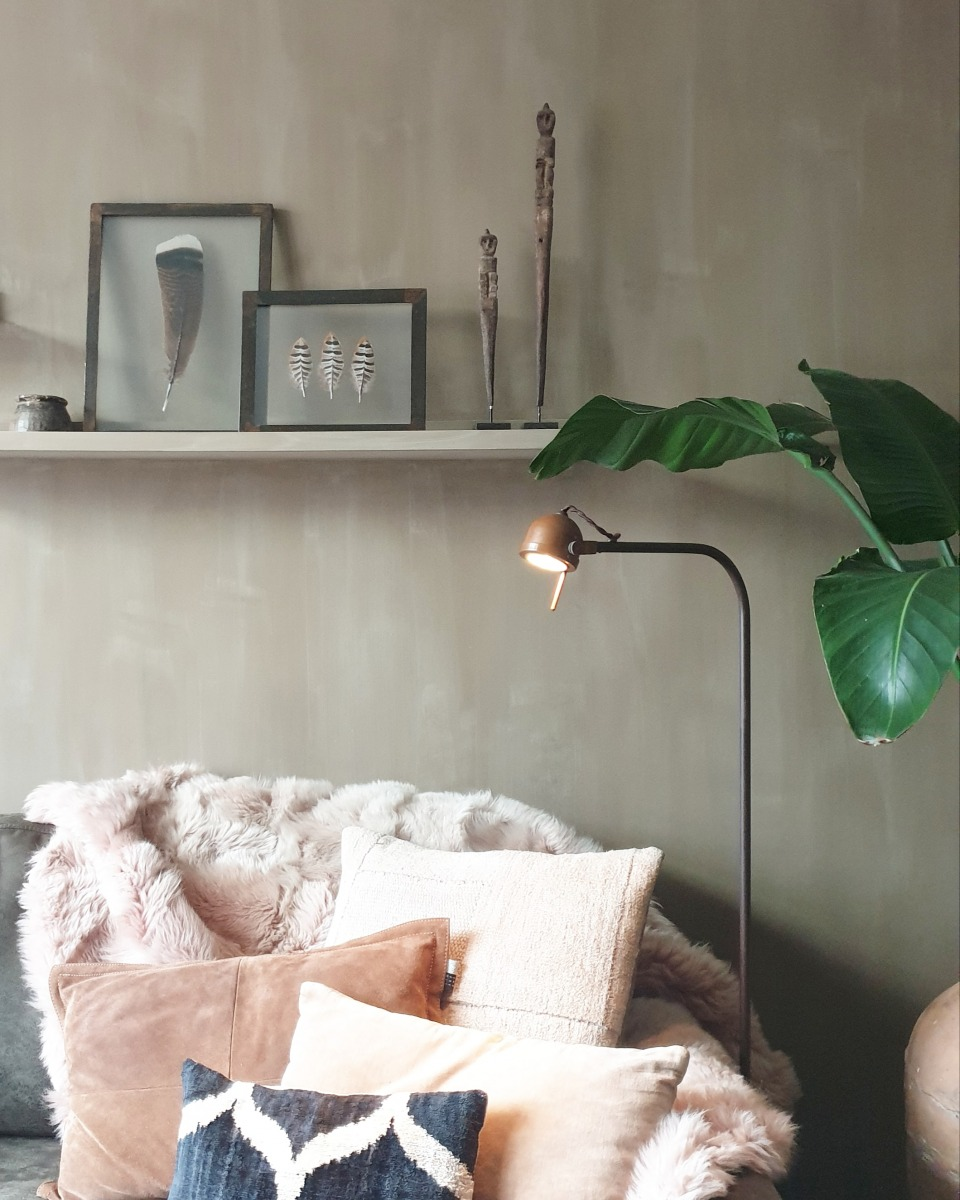 Kalkverf lino, sfeervolle groen, grijze kleur in de woonkamer