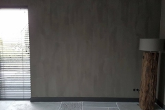 Kalkverf in donker bruin grijze kleur piombo