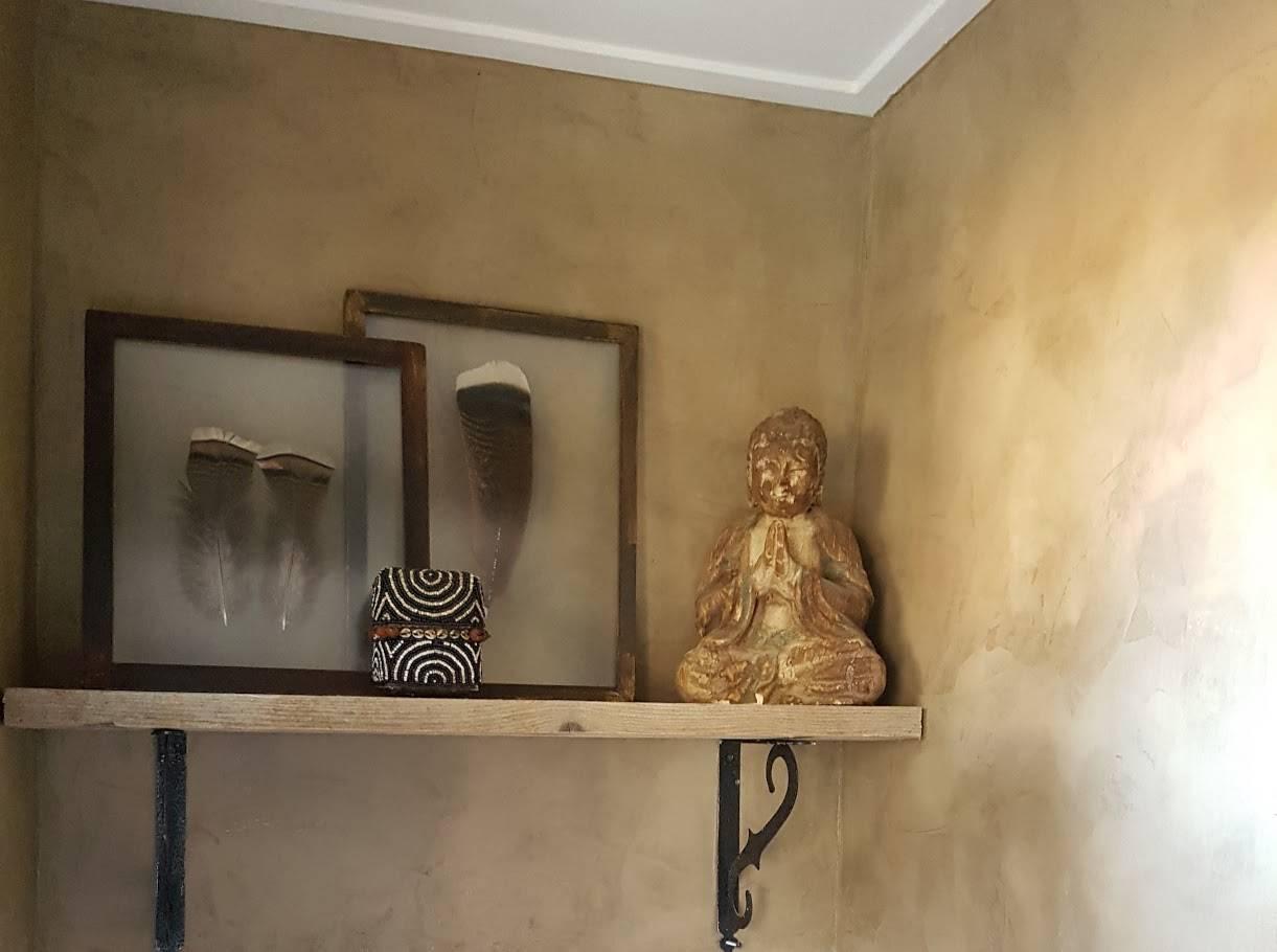marrakech walls, toilet, African hut,