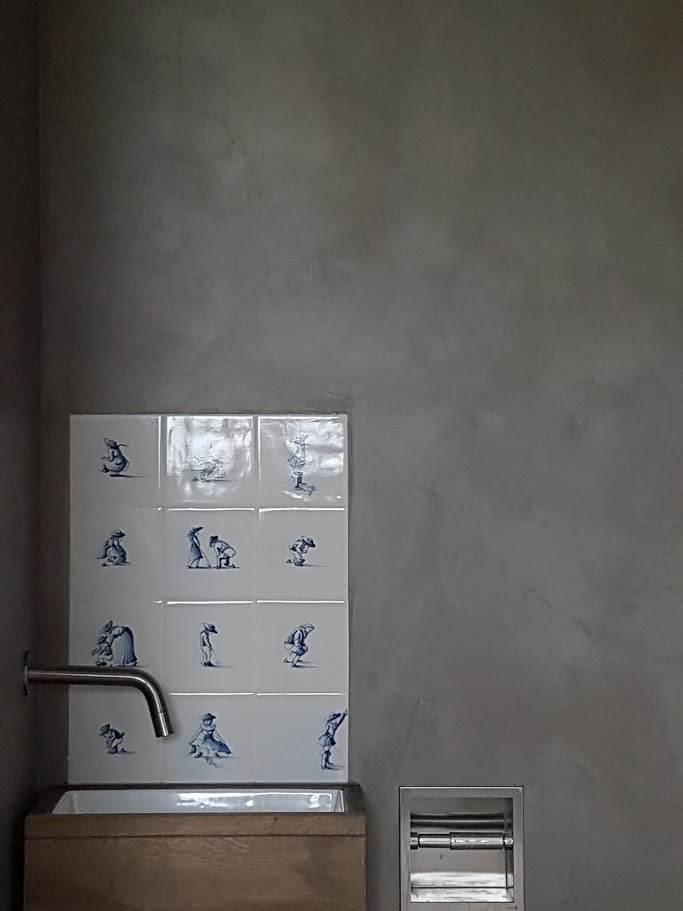 marrakech walls pebble stone, toilet, stoer toilet,