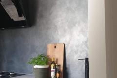 keuken wand in metallic, grijs, zwart, tin, silver